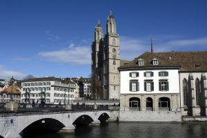 Grossmünster Black Friday Zürich